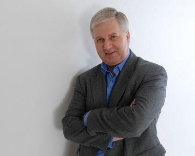 Philip Calvert Social Media Keynote Speaker interviews Graham Jones