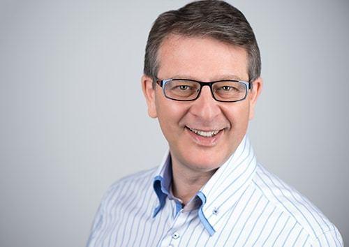 Philip Calvert Social Media Keynote Speaker interviews Mark Lee